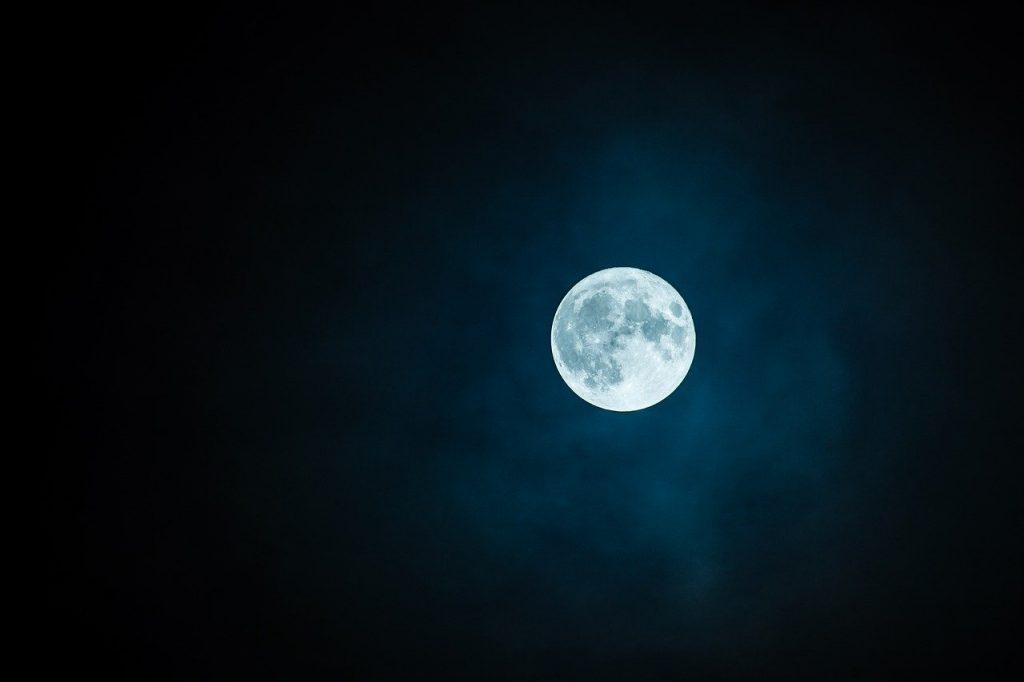 efectele lunii
